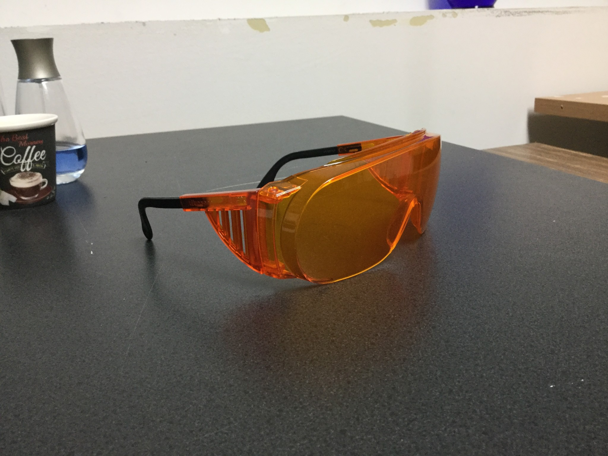 Wraparound Uvex SCT-Orange safetly glasses