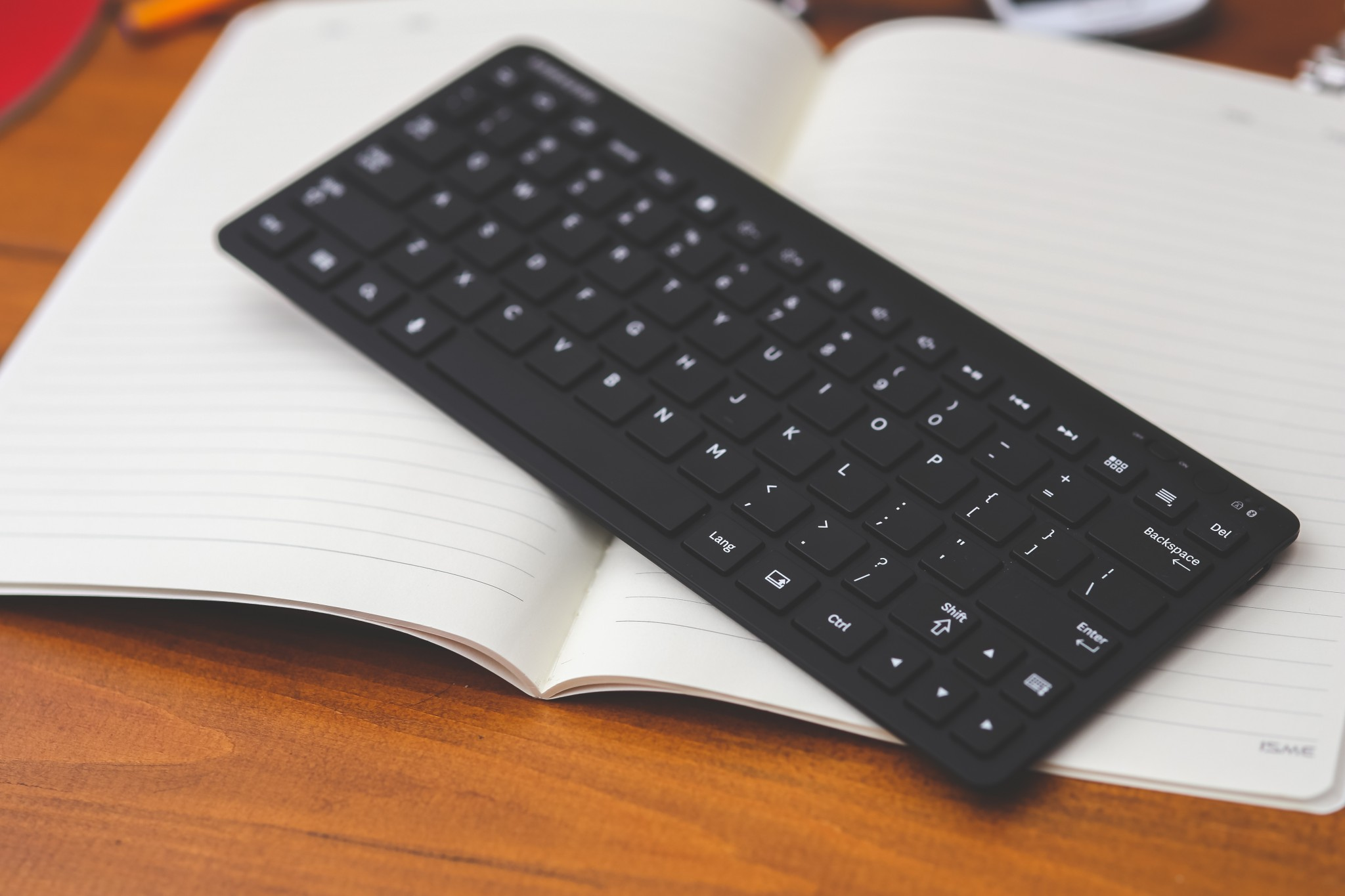 Unencrypted wireless keyboard strokes can be intercepted