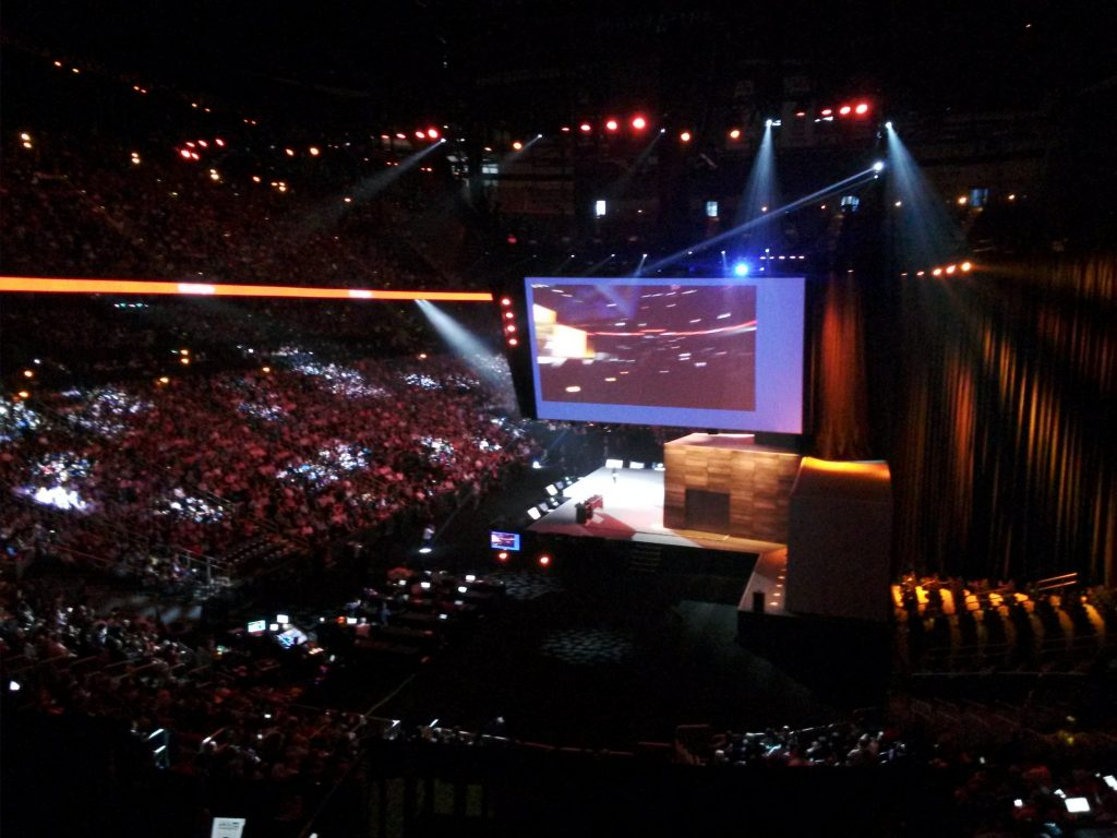 Thousands of people flocked to the afternoon keynote.